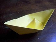 "Papierfaltkunst ""Origami"": Schiff"